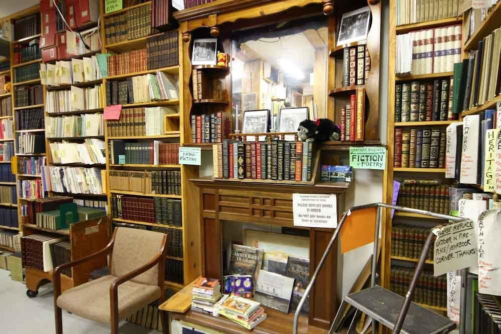 Hyde Brothers Booksellers 03